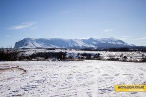 Гора Чатыр-Даг в Крыму в снегу